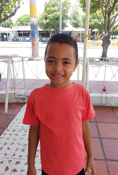 Help Leymer Andres by becoming a child sponsor. Sponsoring a child is a rewarding and heartwarming experience.