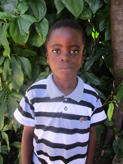 Help Andrew by becoming a child sponsor. Sponsoring a child is a rewarding and heartwarming experience.