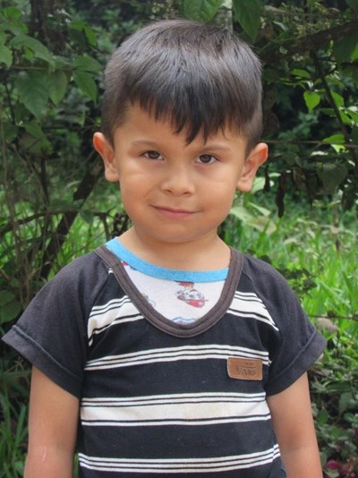 Help Alex Santiago by becoming a child sponsor. Sponsoring a child is a rewarding and heartwarming experience.