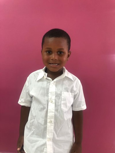 Help Nelson De Jesús by becoming a child sponsor. Sponsoring a child is a rewarding and heartwarming experience.