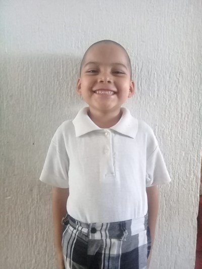 Help Felix Daniel by becoming a child sponsor. Sponsoring a child is a rewarding and heartwarming experience.