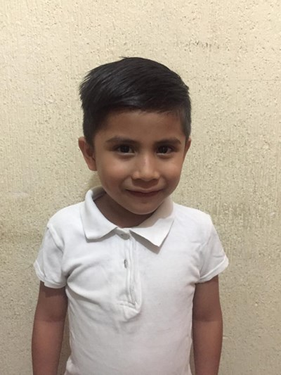 Help Héctor Jacob by becoming a child sponsor. Sponsoring a child is a rewarding and heartwarming experience.