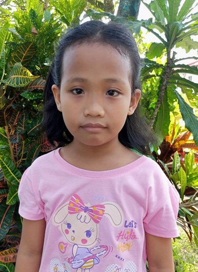 Help Vanessa M. by becoming a child sponsor. Sponsoring a child is a rewarding and heartwarming experience.