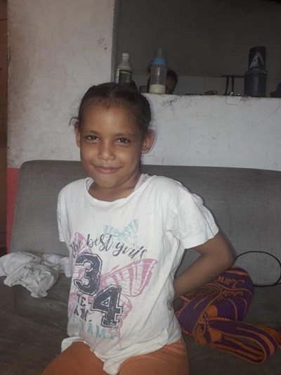 Help Keren Nicol by becoming a child sponsor. Sponsoring a child is a rewarding and heartwarming experience.