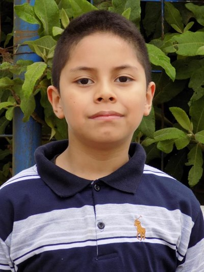Ayude a Abdiel Abraham apadrinándole hoy. El apadrinamiento es una experiencia hermosa y gratificante.