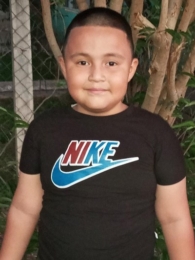 Help Edgar Alexander by becoming a child sponsor. Sponsoring a child is a rewarding and heartwarming experience.