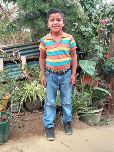 Help Oseas Josue by becoming a child sponsor. Sponsoring a child is a rewarding and heartwarming experience.