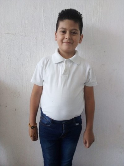 Help Johan by becoming a child sponsor. Sponsoring a child is a rewarding and heartwarming experience.