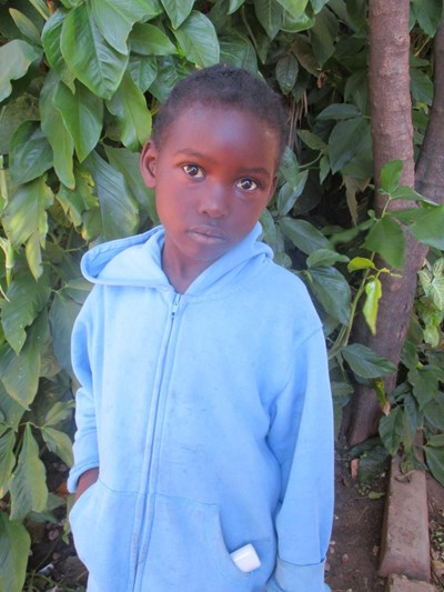 Help Sekelly by becoming a child sponsor. Sponsoring a child is a rewarding and heartwarming experience.