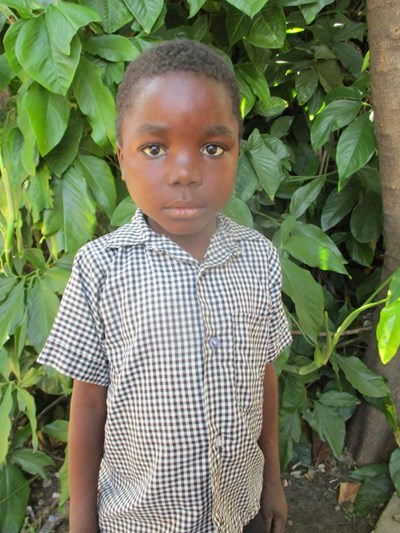 Help Simushi by becoming a child sponsor. Sponsoring a child is a rewarding and heartwarming experience.