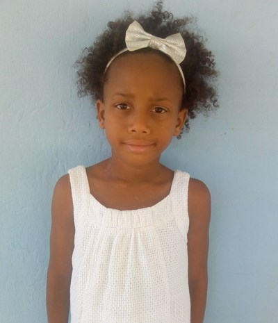 Help Ruth Melissa by becoming a child sponsor. Sponsoring a child is a rewarding and heartwarming experience.