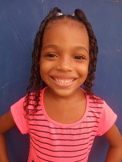 Help Liz Ariana by becoming a child sponsor. Sponsoring a child is a rewarding and heartwarming experience.