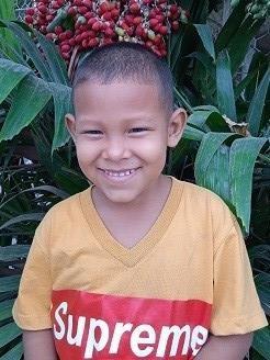 Help Snayder Andres by becoming a child sponsor. Sponsoring a child is a rewarding and heartwarming experience.