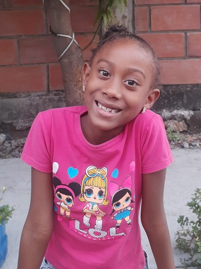 Help Domenica Lisbeth by becoming a child sponsor. Sponsoring a child is a rewarding and heartwarming experience.