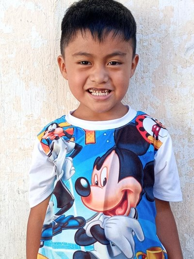 Help Oliver Danilo by becoming a child sponsor. Sponsoring a child is a rewarding and heartwarming experience.