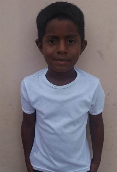 Help David Luis by becoming a child sponsor. Sponsoring a child is a rewarding and heartwarming experience.