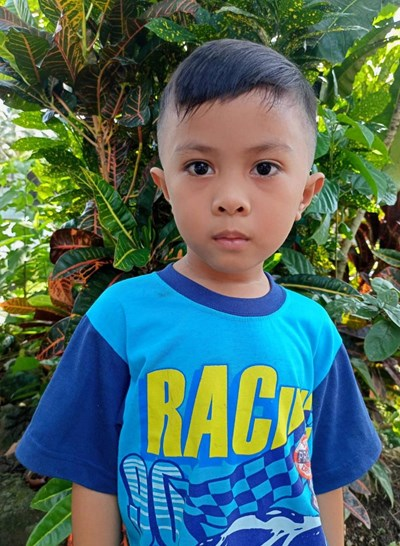 Help Yaelle A. by becoming a child sponsor. Sponsoring a child is a rewarding and heartwarming experience.