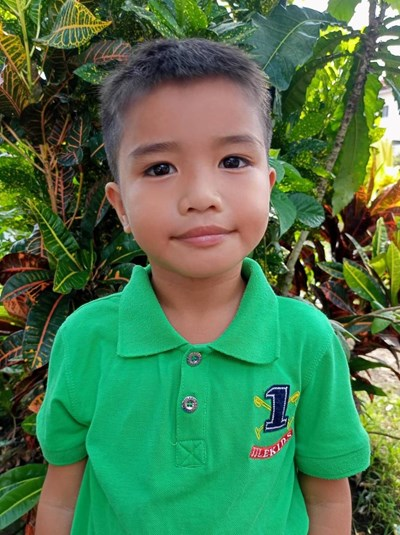 Help Jhazen L. by becoming a child sponsor. Sponsoring a child is a rewarding and heartwarming experience.