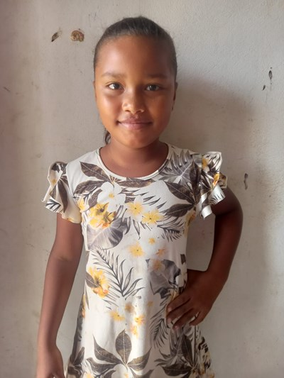 Help Luisana by becoming a child sponsor. Sponsoring a child is a rewarding and heartwarming experience.