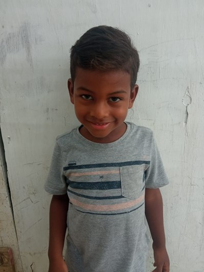 Help Aylan Javier by becoming a child sponsor. Sponsoring a child is a rewarding and heartwarming experience.