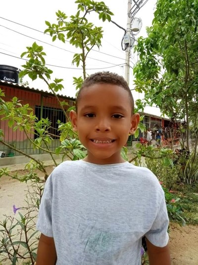 Help Neimar by becoming a child sponsor. Sponsoring a child is a rewarding and heartwarming experience.
