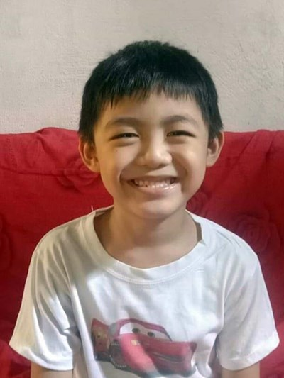 Help Max Francis M. by becoming a child sponsor. Sponsoring a child is a rewarding and heartwarming experience.