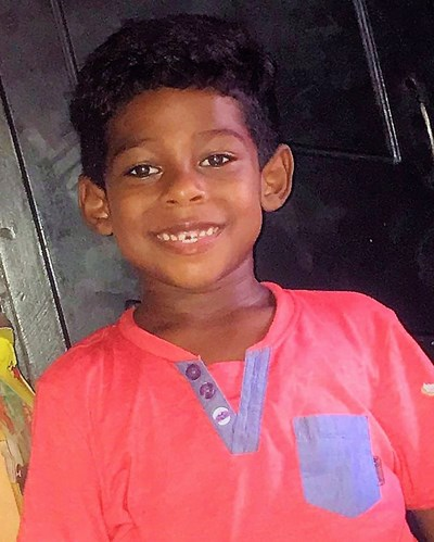 Help Dalinger Jesus by becoming a child sponsor. Sponsoring a child is a rewarding and heartwarming experience.