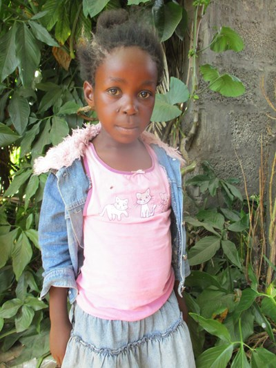 Help Lydia by becoming a child sponsor. Sponsoring a child is a rewarding and heartwarming experience.