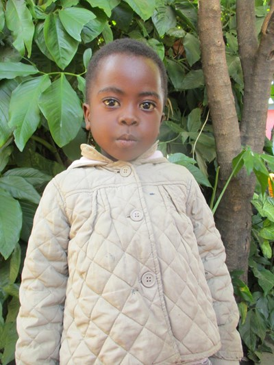 Help S'Thembiso by becoming a child sponsor. Sponsoring a child is a rewarding and heartwarming experience.