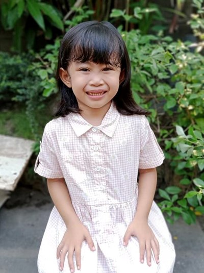 Help Daniella V. by becoming a child sponsor. Sponsoring a child is a rewarding and heartwarming experience.