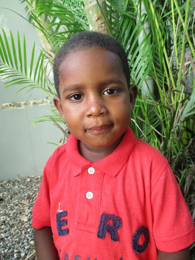 Help Diland by becoming a child sponsor. Sponsoring a child is a rewarding and heartwarming experience.