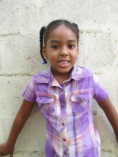 Help Britney Juniaris by becoming a child sponsor. Sponsoring a child is a rewarding and heartwarming experience.
