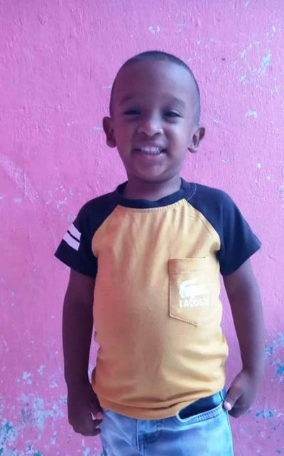Help Luis Jaider by becoming a child sponsor. Sponsoring a child is a rewarding and heartwarming experience.