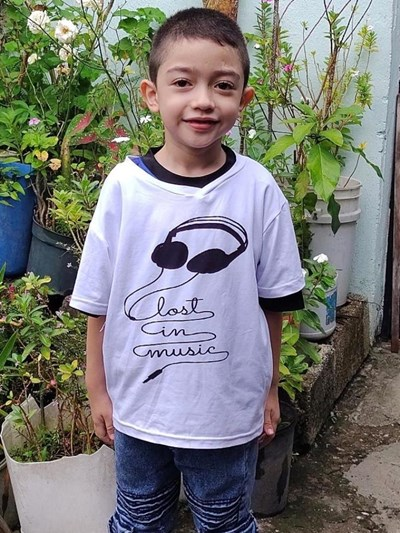 Help Derek Steven by becoming a child sponsor. Sponsoring a child is a rewarding and heartwarming experience.