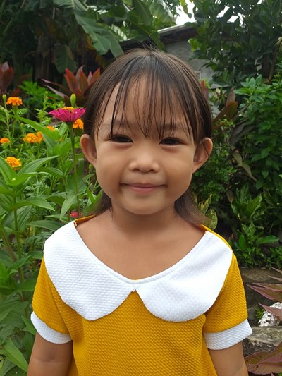 Help Juris Yvanna M. by becoming a child sponsor. Sponsoring a child is a rewarding and heartwarming experience.