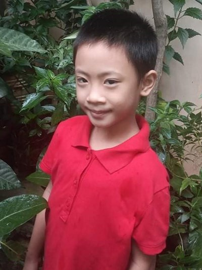 Help Aira Mae D. by becoming a child sponsor. Sponsoring a child is a rewarding and heartwarming experience.