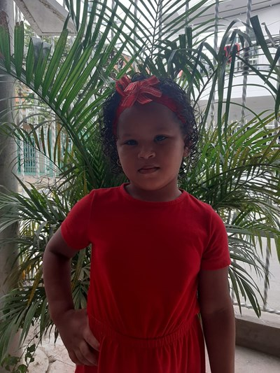Help Janys by becoming a child sponsor. Sponsoring a child is a rewarding and heartwarming experience.