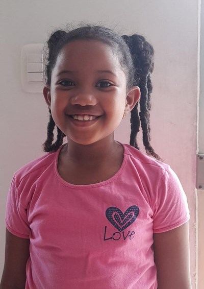 Help Zailin Patricia by becoming a child sponsor. Sponsoring a child is a rewarding and heartwarming experience.