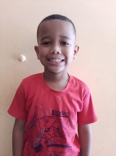 Help Yeiser Eduardo by becoming a child sponsor. Sponsoring a child is a rewarding and heartwarming experience.
