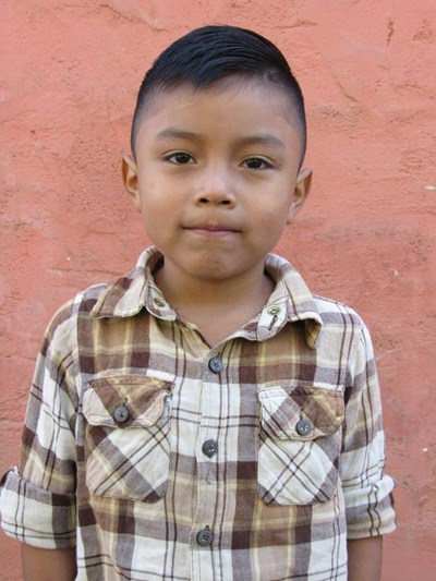 Help Cristofer Rafael by becoming a child sponsor. Sponsoring a child is a rewarding and heartwarming experience.