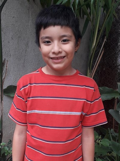 Help Derek Santiago by becoming a child sponsor. Sponsoring a child is a rewarding and heartwarming experience.