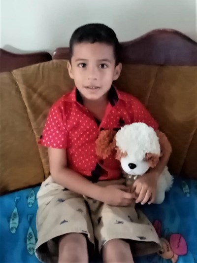 Help Jhonny Francisco by becoming a child sponsor. Sponsoring a child is a rewarding and heartwarming experience.