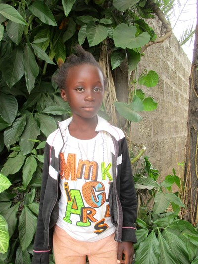 Help Elizabeth by becoming a child sponsor. Sponsoring a child is a rewarding and heartwarming experience.