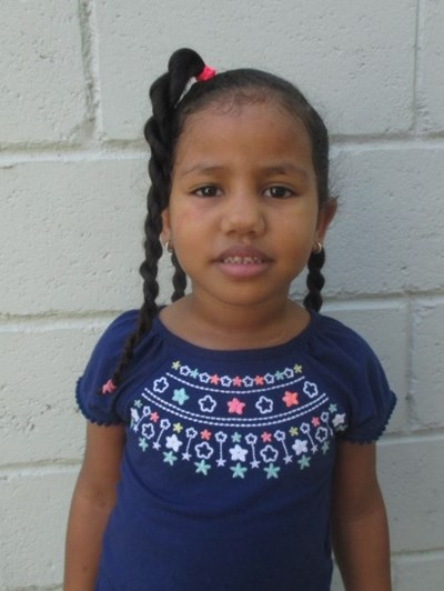 Help Roslanny by becoming a child sponsor. Sponsoring a child is a rewarding and heartwarming experience.