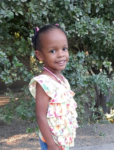Help Yohanny by becoming a child sponsor. Sponsoring a child is a rewarding and heartwarming experience.