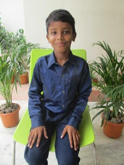 Ayude a Arvind Kumar apadrinándole hoy. El apadrinamiento es una experiencia hermosa y gratificante.