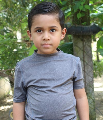 Help Yefri Alexander by becoming a child sponsor. Sponsoring a child is a rewarding and heartwarming experience.