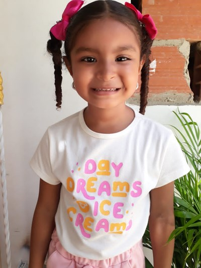 Help Sharolys Nicoll by becoming a child sponsor. Sponsoring a child is a rewarding and heartwarming experience.