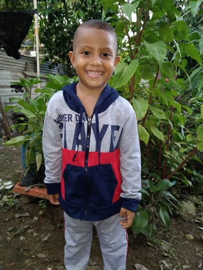 Help Emmanuel David by becoming a child sponsor. Sponsoring a child is a rewarding and heartwarming experience.
