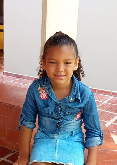 Help Fraycyth Jhoana by becoming a child sponsor. Sponsoring a child is a rewarding and heartwarming experience.